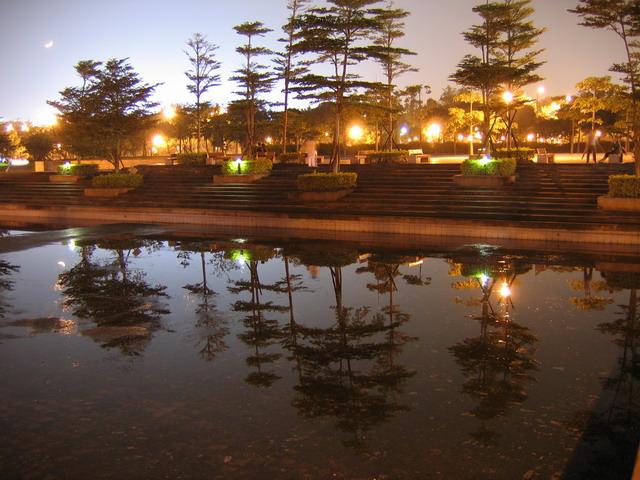 夜間攝影測試(S:8,F:3.3,M模式)